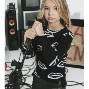 Czarny sweterek z ustami